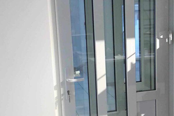 Usi PVC pentru exterior de la Universul ferestrelor Moldova
