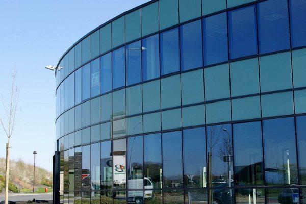 Fatade de calitate superioara din sticla si aluminiu la cele mai mici preturi in Chisinau