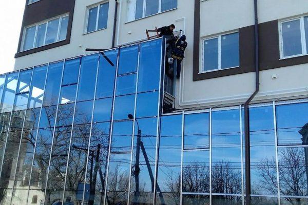 Fatade calitative din sticla si aluminiu la pret mic in Chisinau