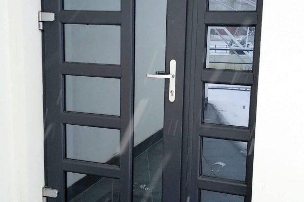 Usi calitative din PVC pentru exterior in Chisinau